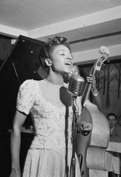 Maxine Sullivan: Love to Be in Love